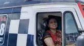 ஆம்புலன்ஸ் ஓட்டி சென்ற நடிகை: